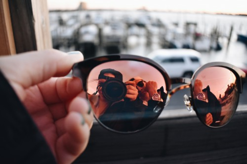 Spectacles Sunglasses Sunglass Hand Close - Free Photo 1