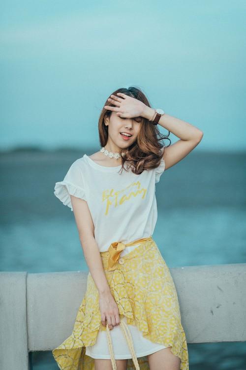 Person Pretty Fashion Attractive Smasher Happy Adult - Free Photo