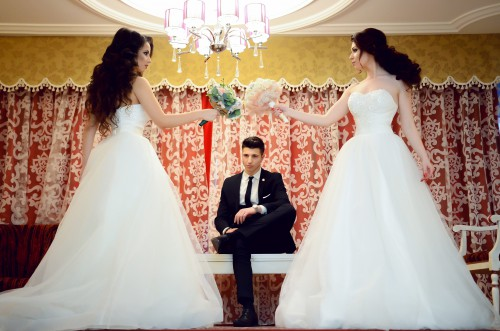 Groom Bride Wedding Dress Marriage Love Bouquet Couple Married Happiness - Free Photo 1
