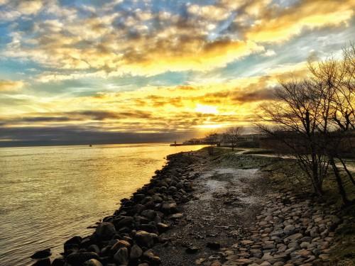 Sky Shoreline Landscape Ocean Atmosphere Sun Beach Sea - Free Photo 1